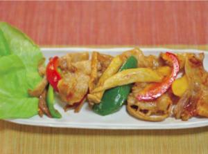 たから豚とカラフル野菜のピリ辛炒め